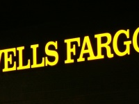 """2011-11-22 Wells Fargo ATMs lit at night"" by Ildar Sagdejev (Specious) - Own work. Licensed under CC BY-SA 3.0 via Wikimedia Commons."