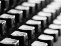 Stock photo, typewriter keyboard. // Pixabay
