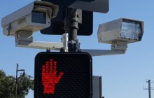 A red light camera keeps watch over the intersection of Auburn Blvd. and Antelope Road. // CH Sentinel