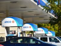 Drivers line up for gas at the Citrus Heights ARCO, located at the corner of San Juan Avenue and Greenback Lane. // CH Sentinel