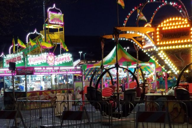 """Brass Ring Entertainment's """"Midway of Fun"""" Spring Carnival outside Sunrise Mall. // CH Sentinel"""