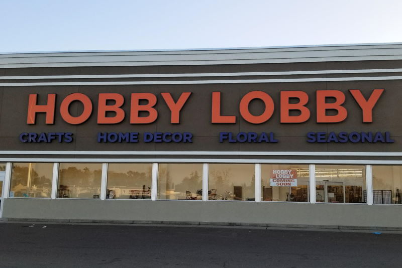 what time does hobby lobby open